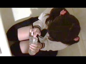 当時C1 登校拒否の妹に臭い遊び 動画 妹虐め。 dgpot.com