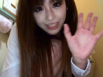 「S級制服美少女」のオマンコ見せつけ自画撮りお漏らしオナニー