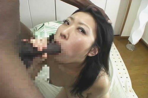 色白でムチムチの巨乳がたまらない若奥さんが黒人のチ○ポ初体験! うみんちゅう dgpot.com