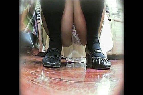 【素人パンチラ】気になった女を狙い撮り 黒龍王 dgpot.com