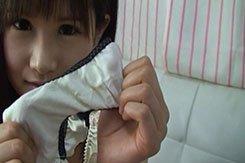 投稿 ロ○顔チッパイ女の子のマンカスがいっぱい付いたパンツ染み めいぷるしろっぷかろりー dgpot.com