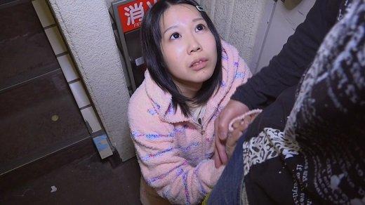 【ミニマムガール】知らないマンションのドアの前でフェラしちゃった! ど変態ダーリン dgpot.com
