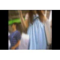 【素人パンチラ】水色スカート&純白パンティ  ダウンロード